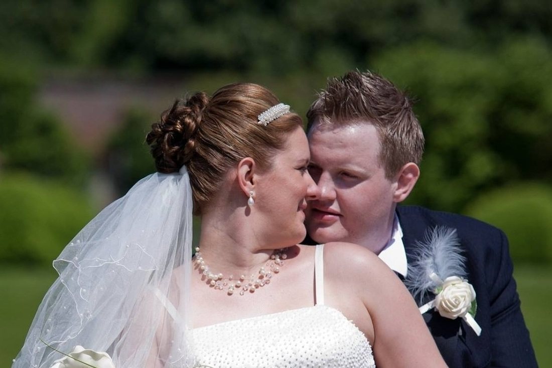 Photo of brides wedding hair by www.karensbeautifulbrides.co.uk, Suffolk CO100BT