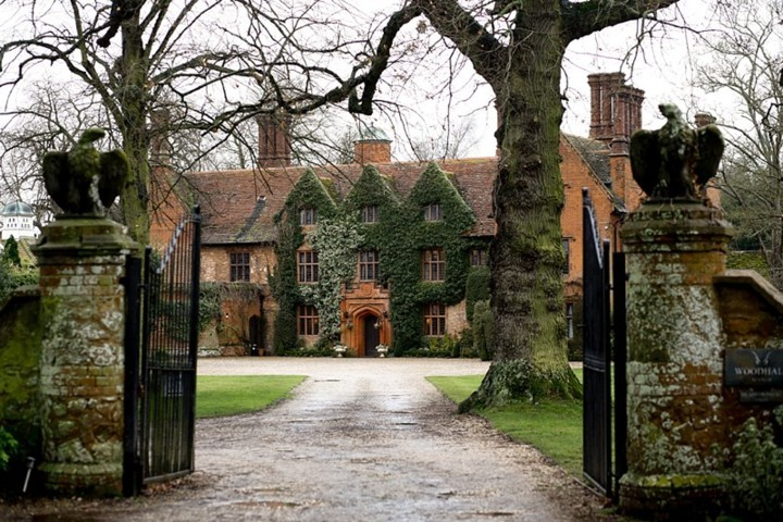 Suffolk wedding venue, Woodhall Manor by Karen's Beautiful Brides